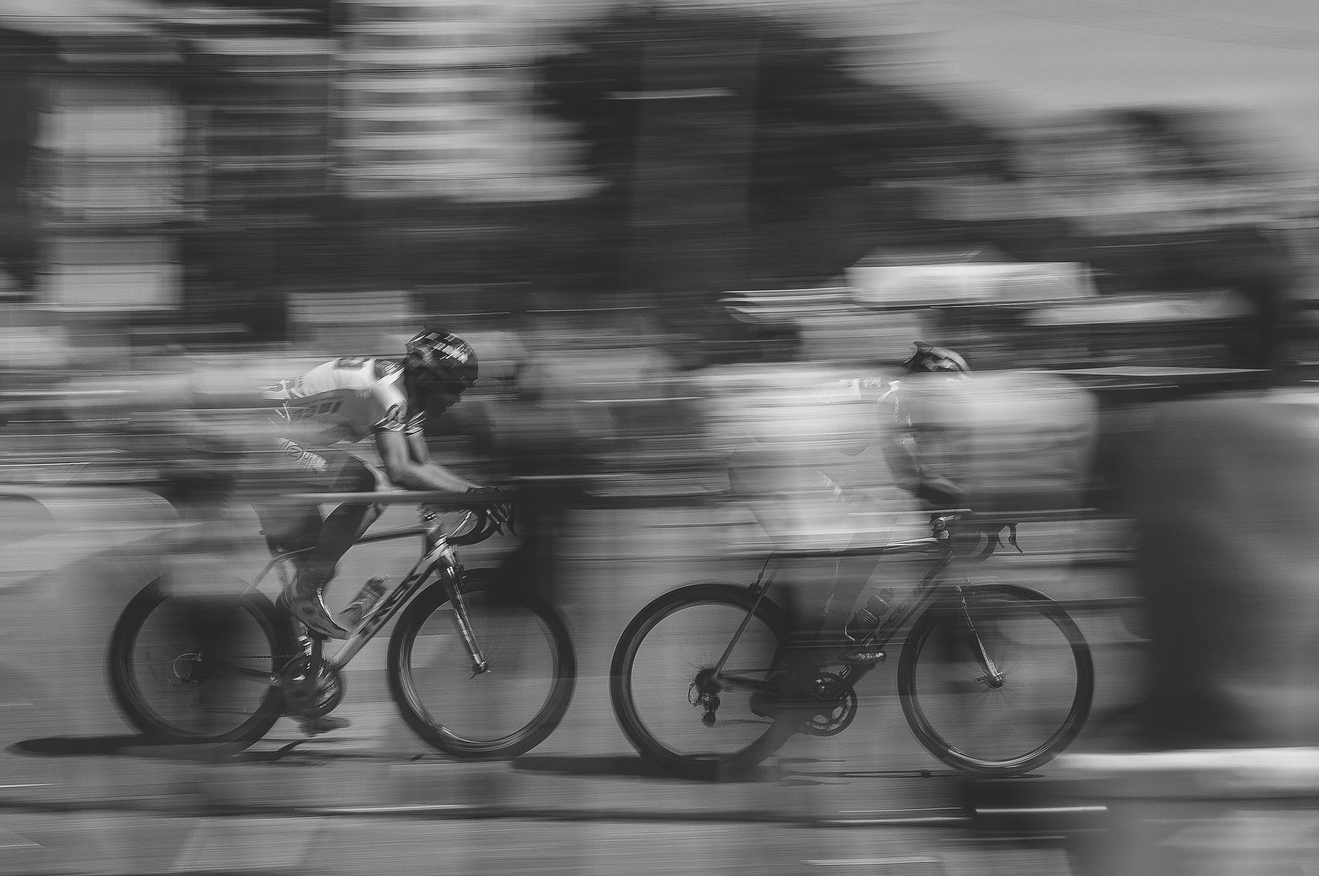 Opanuj zakręt na rowerze szosowym, aby poprawić swoje umiejętności