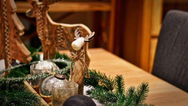 Najpiękniejszy stroik bożonarodzeniowy na świąteczny stół – inspiracje