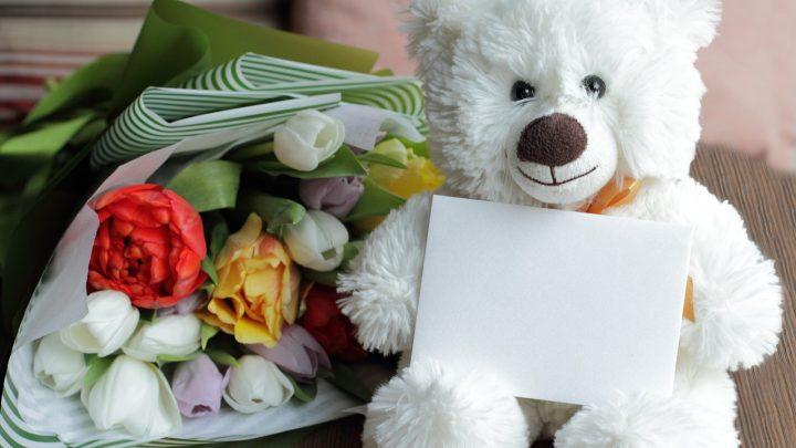 Kwiaty na  Walentynki – bukiet, pojedynczy kwiat czy flower-box